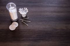 Bomullsblock och bomullsknoppar arkivbild