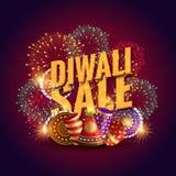 Bon étonnant de vente de diwali avec des biscuits et des feux d'artifice de festival Photo stock