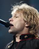 Bon Jovi se realiza en concierto foto de archivo