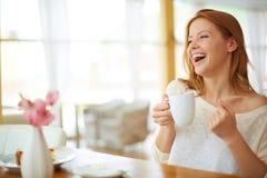 Bon temps en café Images libres de droits