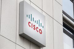 Bona, Reno norte Westphalia/Alemanha - 28 11 18: Cisco assina dentro Bona Alemanha fotos de stock royalty free