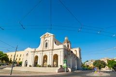 Bonaria-Kathedrale unter einem blauen Himmel Stockbilder