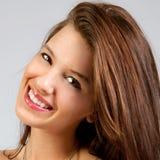 Bonbon, jeune femme de sourire images stock