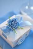 Bonbonniere糖果箱子 婚礼桌布 免版税库存图片