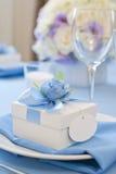 Bonbonniere pielucha na naczyniu i pudełko Zdjęcie Stock