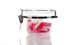 Bonbons à menthe poivrée dans le pot Photo libre de droits