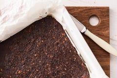 Bonbons à Vegan Gâteau délicieux de 'brownie' de vegan à faible teneur en matière grasse fait maison avec images libres de droits