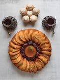 Bonbons arabes Cr?pe Arabe bourr?e du fromage et des pistaches doux images libres de droits