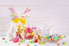 Bonbons colorés à Pâques Photographie stock libre de droits