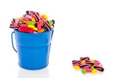 Bonbons colorés mélangés à sucrerie Images libres de droits