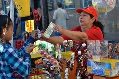 Bonbons de achat Photographie stock libre de droits