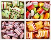 Bonbons durs dans la boîte en bois Photos libres de droits