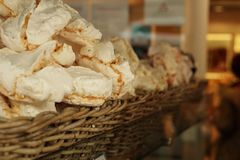 Bonbons in einer Bäckerei in Paris Stockfoto