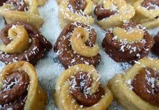 Bonbons faits maison avec la noix de coco Images libres de droits