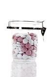 Bonbons à menthe poivrée dans le pot Photographie stock libre de droits