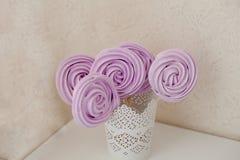 Bonbons sur un bâton Photographie stock libre de droits
