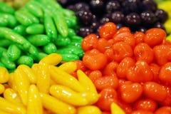 Bonbons traditionnels colorés photos libres de droits