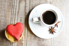 Bonbons und Kaffee Stockfotografie