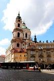 Bonde de Praga e arquitetura adorável imagem de stock royalty free