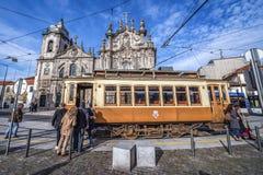 Bonde velho em Porto imagens de stock