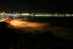 Bondi-Strand bis zum Nacht Stockfotos
