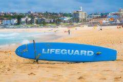 Bondi strand, Sydney - tjänstgörande livräddare Arkivfoto