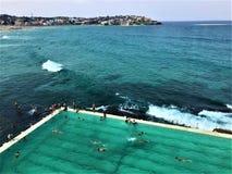 Bondi strandpöl i Australien arkivbilder