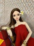 Boneca como a mulher real, boneca da junção de bola imagens de stock