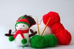 Boneca de confecção de malhas do boneco de neve Foto de Stock