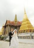 Boneca do casamento dos pares no templo tailandês Imagens de Stock Royalty Free