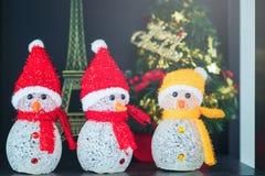 Boneca do Natal, presentes e conceito das felicitações imagem de stock royalty free