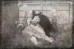 Boneca quebrada da porcelana foto de stock royalty free