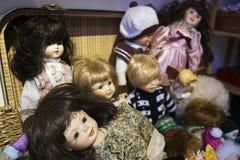 Bonecas antigas da porcelana fotografia de stock royalty free