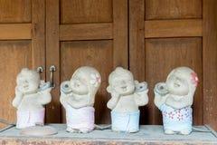 Bonecas cerâmicas Fotos de Stock
