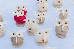Bonecas das corujas, trabalho de arte, artesanatos indianos justos em Kolkata Imagens de Stock Royalty Free