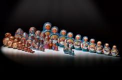 Bonecas do assentamento de Matryoshka Fotografia de Stock Royalty Free