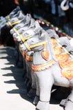 Bonecas do cavalo para ofertas à coisa santamente fotos de stock