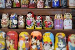 Bonecas do russo de Lionel Messi e de Cristiano Ronaldo Imagem de Stock Royalty Free