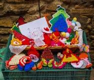 Bonecas, doilies e potholders Imagem de Stock Royalty Free