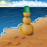 Boneco de neve de Sandy na praia Imagens de Stock Royalty Free