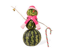 Boneco de neve do Natal da melancia com sino dourado e bastão de doces Conceito do feriado por anos novos Foto de Stock
