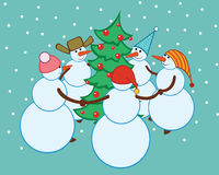 Bonecos de neve da dança em torno da árvore de Natal Fotografia de Stock