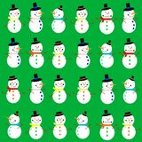 Bonecos de neve no fundo verde Imagens de Stock