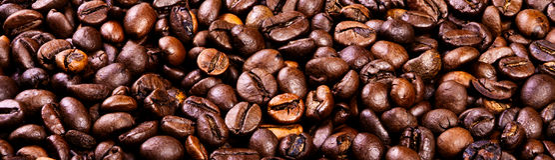 Bonen van zwarte Arabische koffie Stock Foto