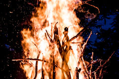 Bonfire. And sparks at the night Royalty Free Stock Photos