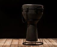 Bongos musicais do cilindro do instrumento de percussão Imagens de Stock