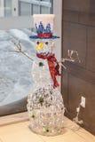Bonhomme de neige électrique, artificiel, coloré fabriqué à partir de la LED à l'intérieur d'a Images stock