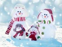 Bonhomme de neige d'amis sur la neige Images libres de droits