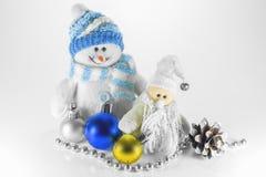 Bonhomme de neige de jouet et décorations de Noël Photo stock