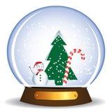 Bonhomme de neige et arbre Photo libre de droits